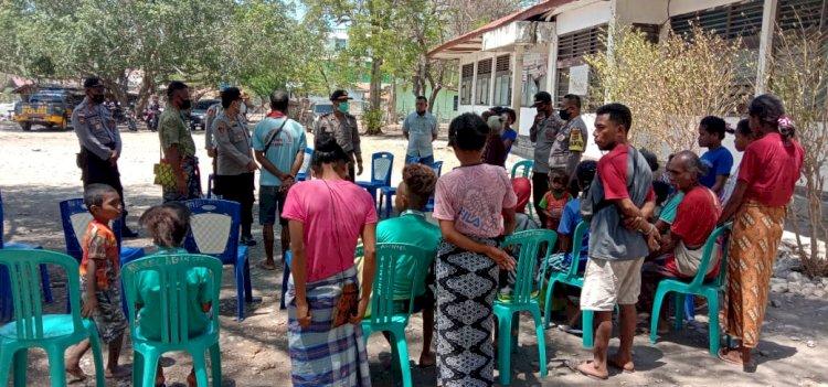 Jalin Silahturahmi Kapolres Sambangi Warga Besipae