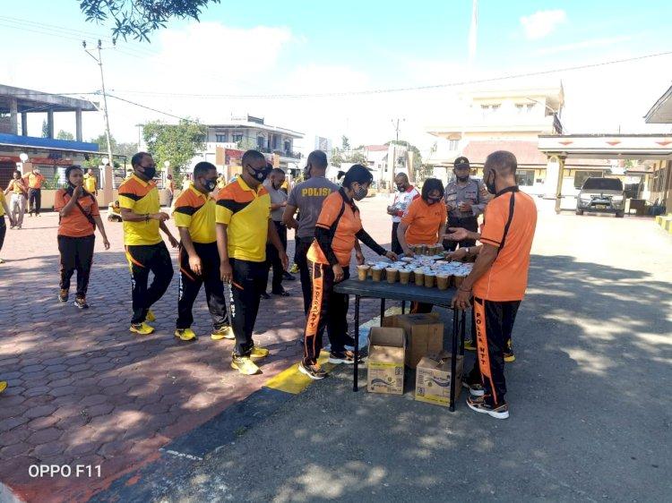 Upaya Menjaga Stamina Personil Polres TTS, Setelah Olah Raga Pagi di Beri Extra Fooding