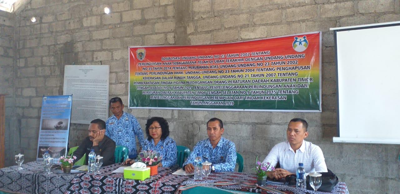 Bersama Instansi Terkait , Kasat Reskrim Polres TTS Melaksanakan Sosialisasi UU KDRT dan Perlindungan Anak Kepada Masyarakat