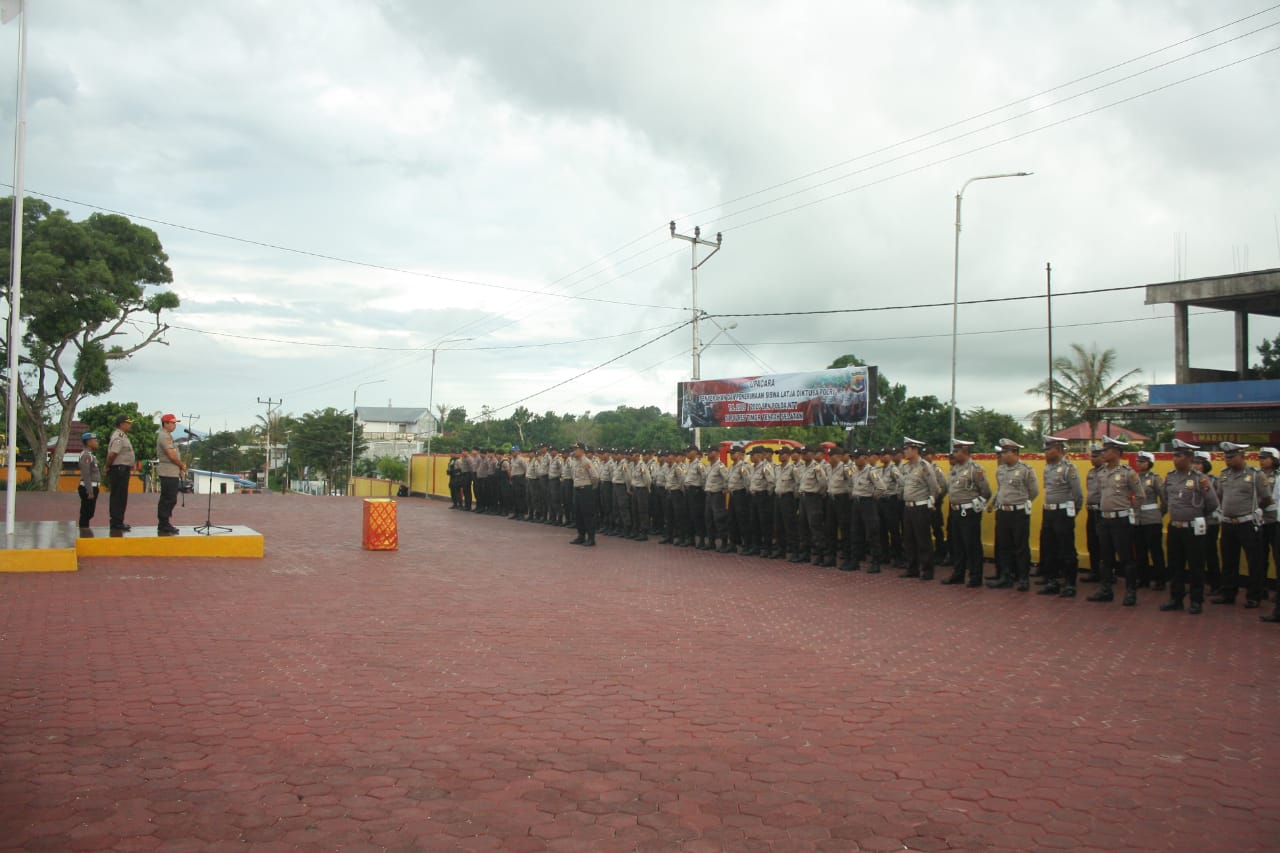 Ka SPN Kupang Pimpin Apel Penyerahan Siswa Latja