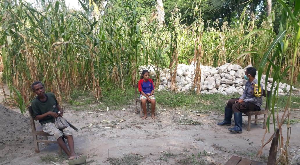 Bhabinkamtibmas Polsek Amanuban Selatan :  Jarak Saat Berinteraksi