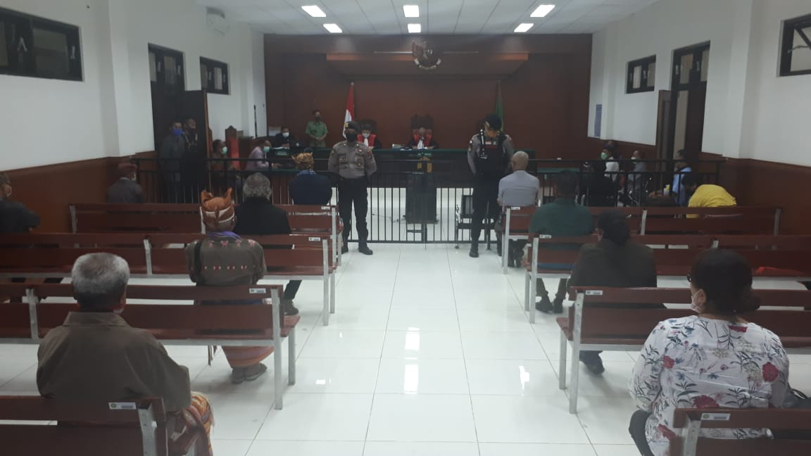 Pengamanan   Sidang Pengadilan Oleh Personil Polres TTS